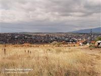 Atraktiven plac so pogled na celo Kumanovo