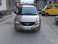 Chrysler Town & Country -02