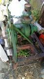 Traktorski pumpo i elektricni motori