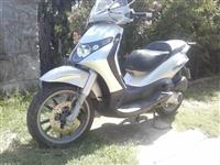 Piaggio BEVERLY 250-04