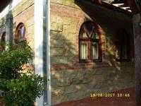 Izrabotka na fasadi od dekorativen kamen