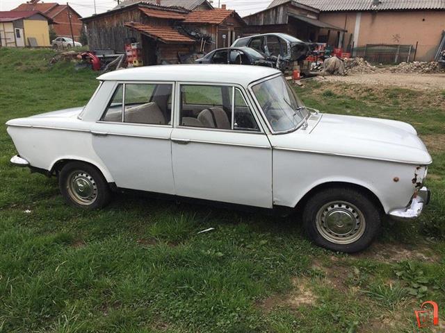Fiat-1300-1975-Old-timer