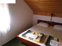 Izdavam sobi za turisti vo selo Stenje