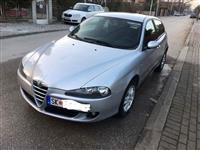 Alfa Romeo 147 face lift Jtdm zelen karton