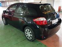 Toyota Auris -11
