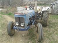 Traktor Fordson Super Dexta